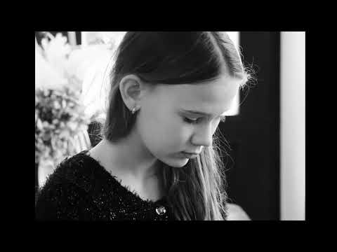 2.) Medeline Hoijer - Koncert Kolędowy 2019 Unisono