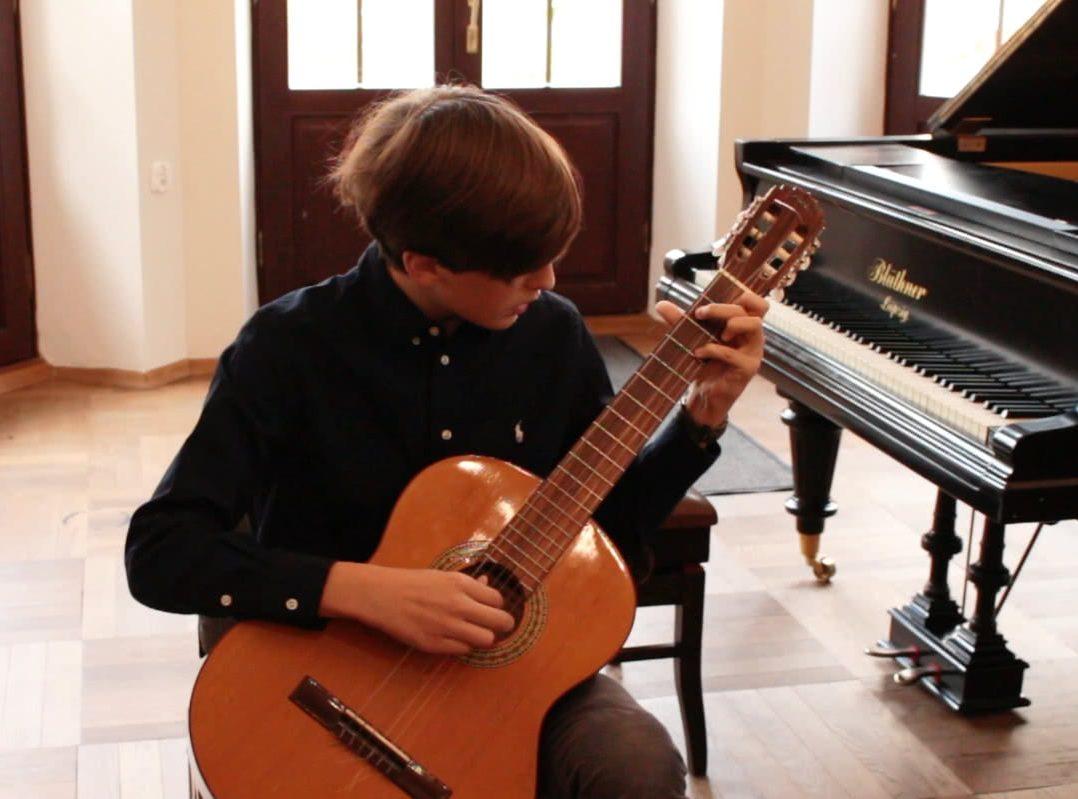 szkoła muzyczna,koncert listopadowy ,koncert, gitara