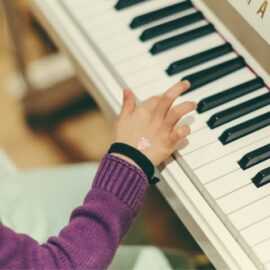 <p>Kiedy zacząć naukę gry na instrumencie?</p>