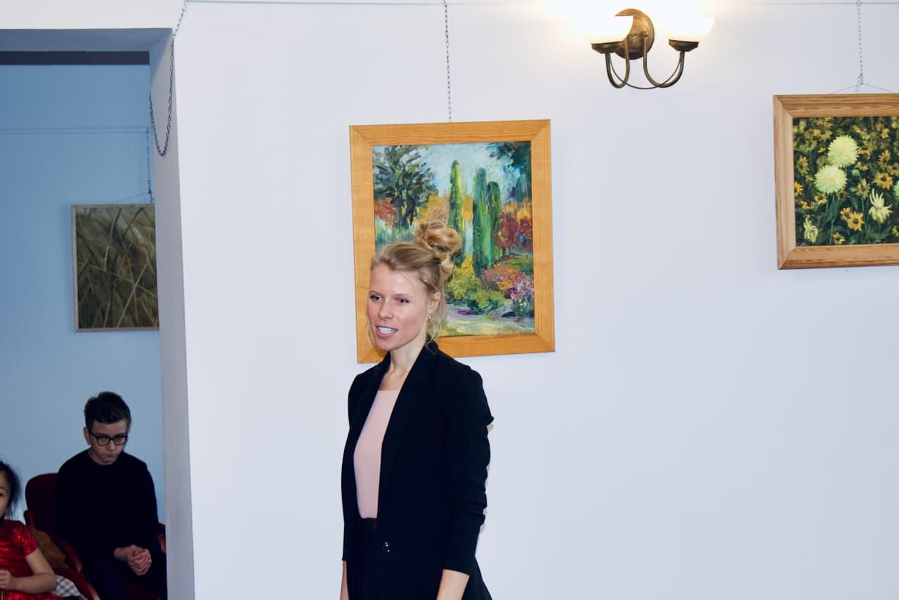 koncert kolędowy szkoły muzycznej z 2020 roku, Alicja Zdrojewska, nauczycielka śpiewu