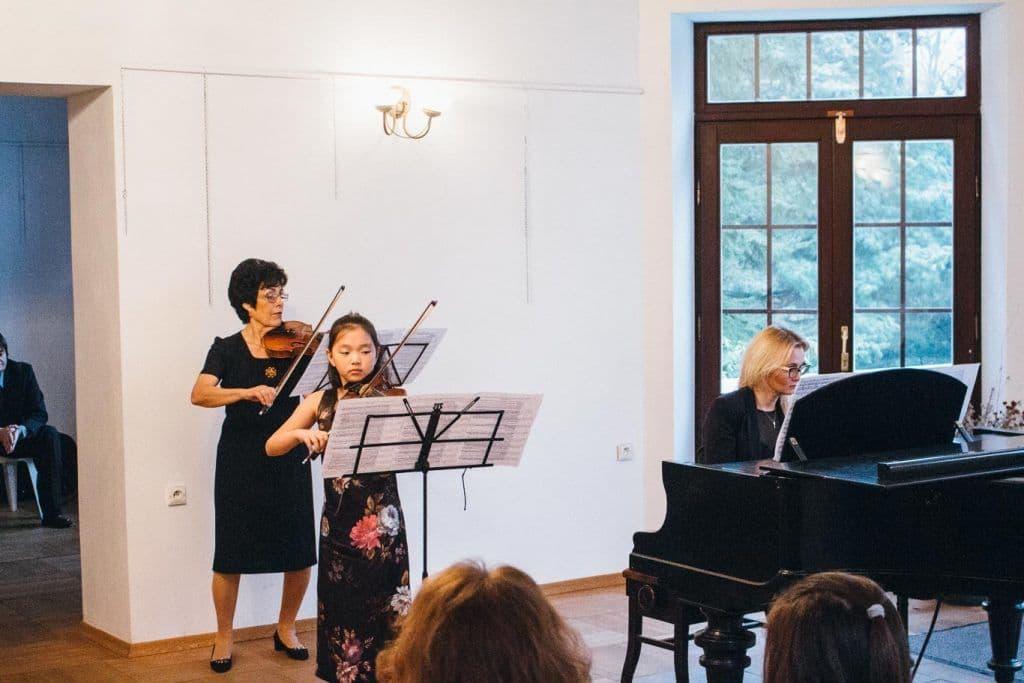 misja uniono, szkoły muzycznej w warszawie, zofia zwolińska, uczennica, fortepian, akompaniament