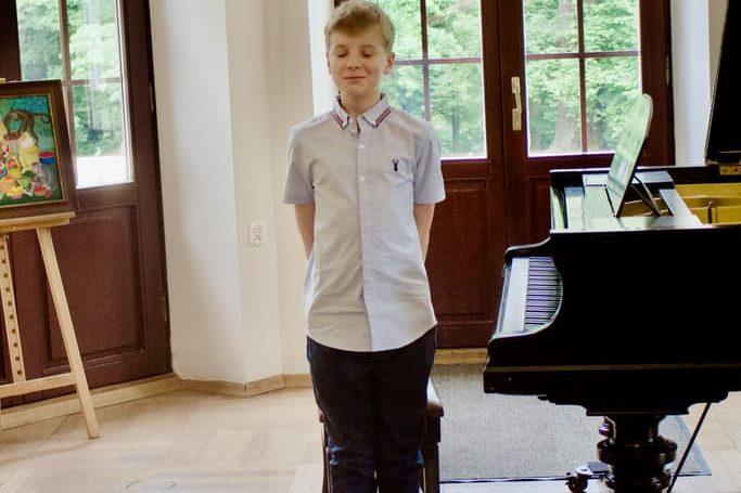 2 uczeń klasy fortepianu Unisono, Pałacyk Fangora PAN, koncert, fortepian, koncert doroczny 2021 Unisono