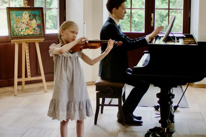 uczennica klasy skrzypiec Unisono, Pałacyk Fangora PAN - koncert